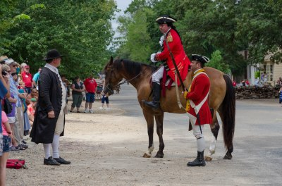 Benedict Arnold confronts a Williamsburg Patriot