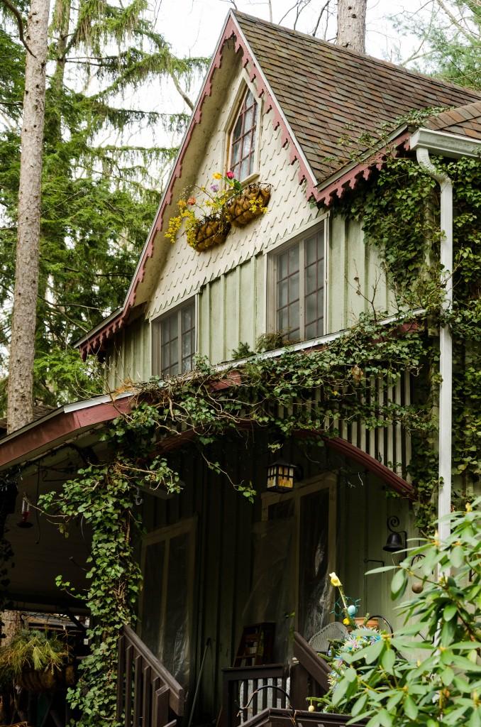 Ivy covered cottage in Mount Gretna