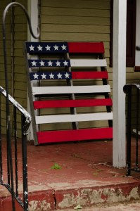 Pallet painted like an American Flag