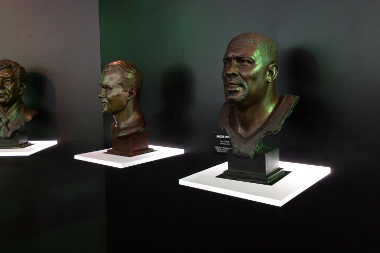 Hall of Fame bust of Reggie White, the