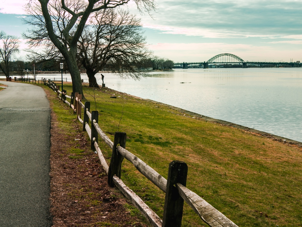 The Delaware River thaws with the approach of spring