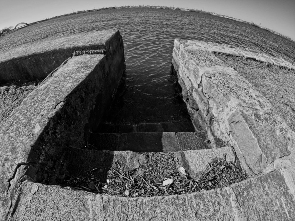 Stairs in the seawall on the Delaware